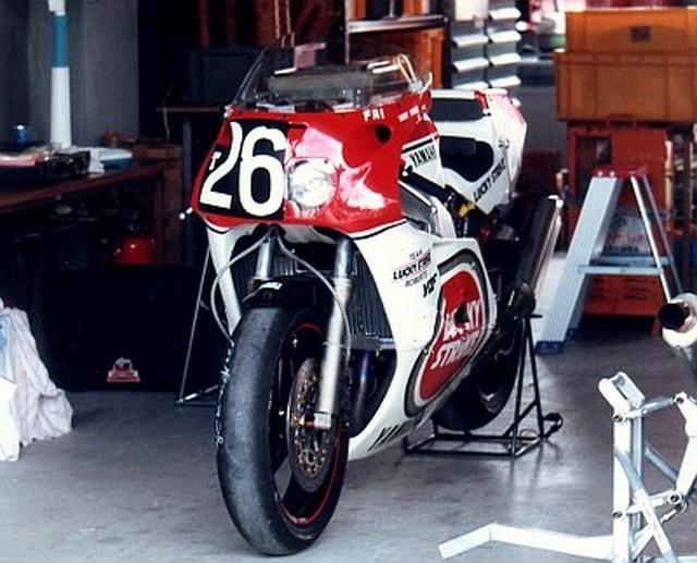 Avis 1000 fzr 1992 Fzr750_87_roberts.4
